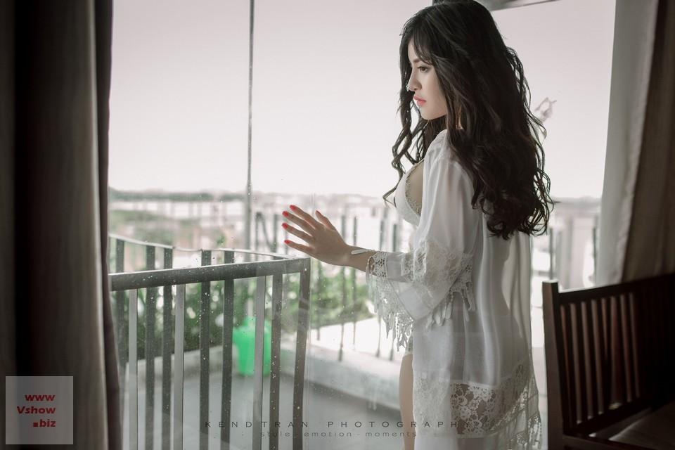 anh-noi-y-nong-bong-le-uyen-nghi-4