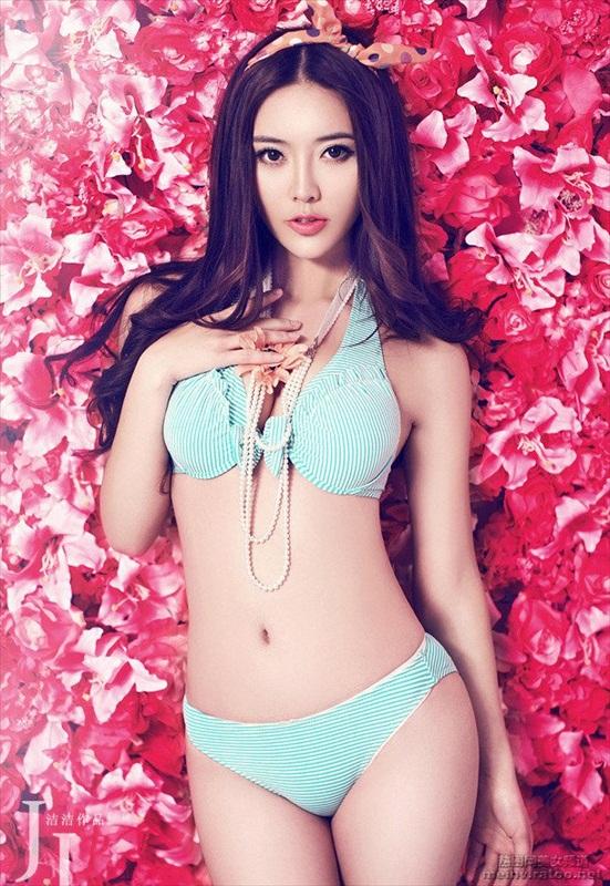 nguoi-mau-bikini-zhao-yu-fei-2