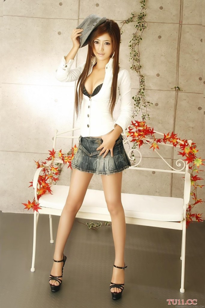poon-moon-sexy-2