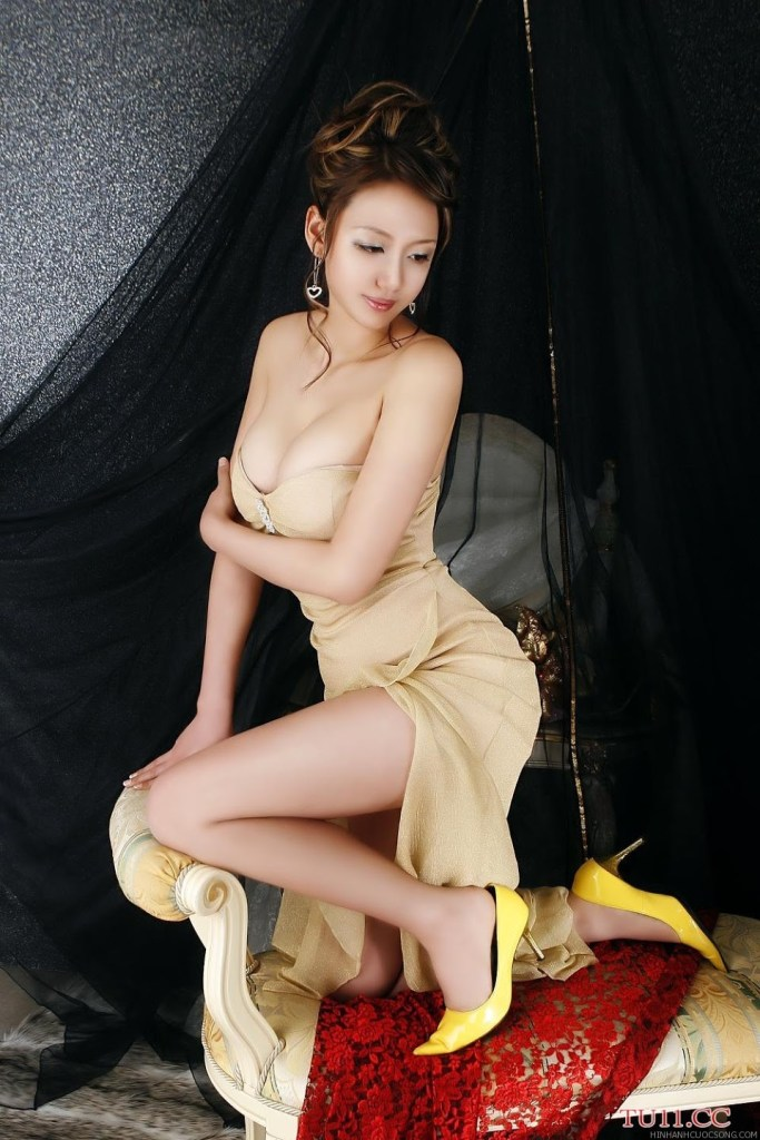 poon-moon-sexy-21