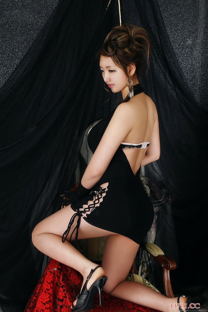poon-moon-sexy-22