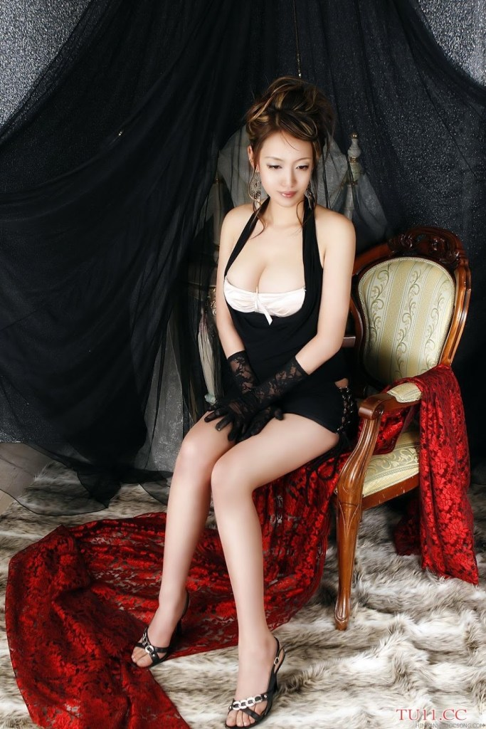 poon-moon-sexy-24