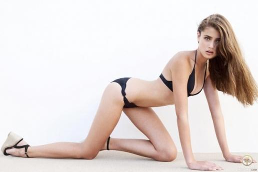 ve-dep-nong-bong-taylor-hill-cung-bikini-8